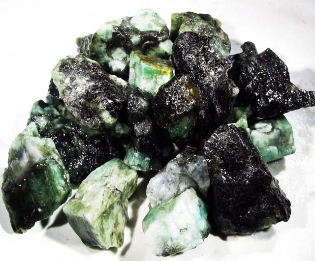 100 Grams Parcel  Brazil Emerald Rough RB35