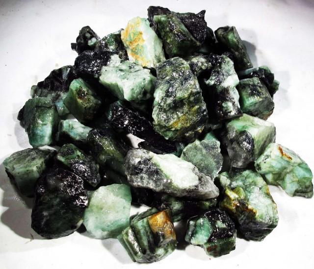150 Grams Parcel  Brazil Emerald Rough RB36