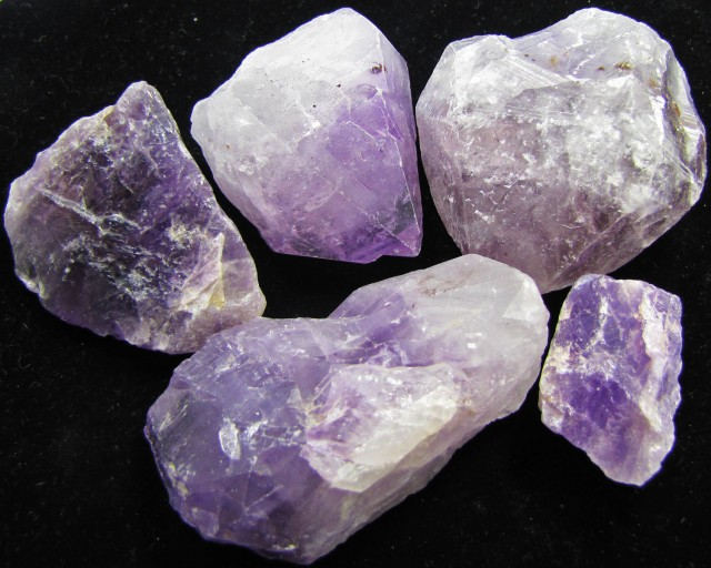 0. 327 PARCEL  5   AMETHYST CRYSTAL    SPECIMENS  MYGM 1728