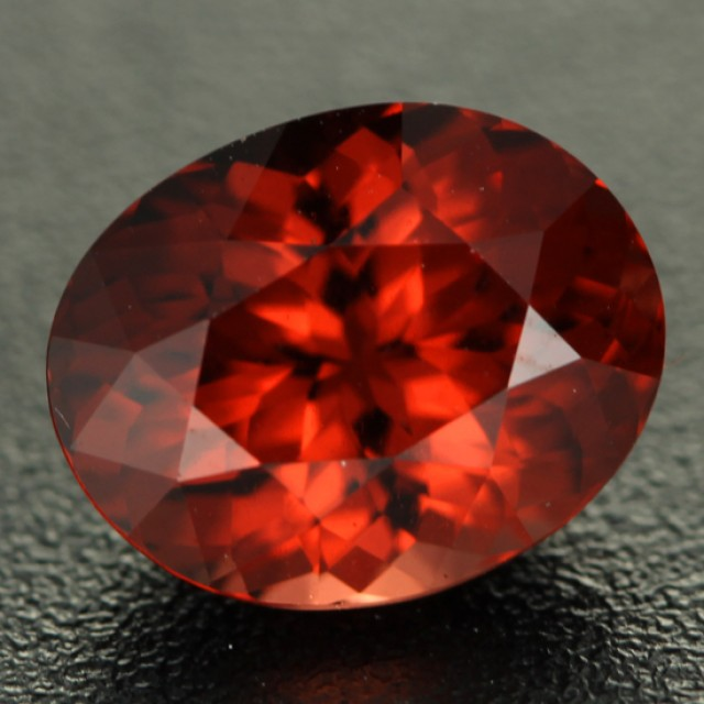 3.37 cts Orangy Red Malaya Garnet Unique Colour (RG147)