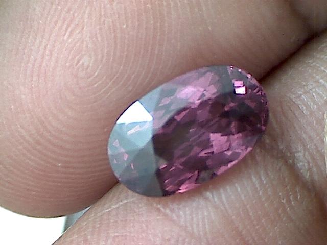 CERTIFIED 3.31ct Purple Rhodolite Garnet Oval VVS TH49