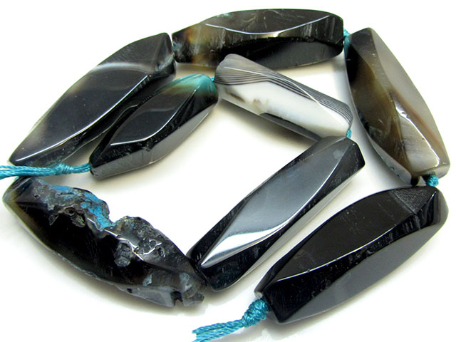 870 CTS Strand Agate Beads   BLUE GG1631