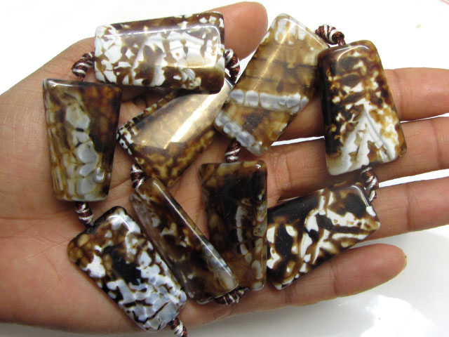 400 Cts Two Tone Strand Agate Beads   GG1666