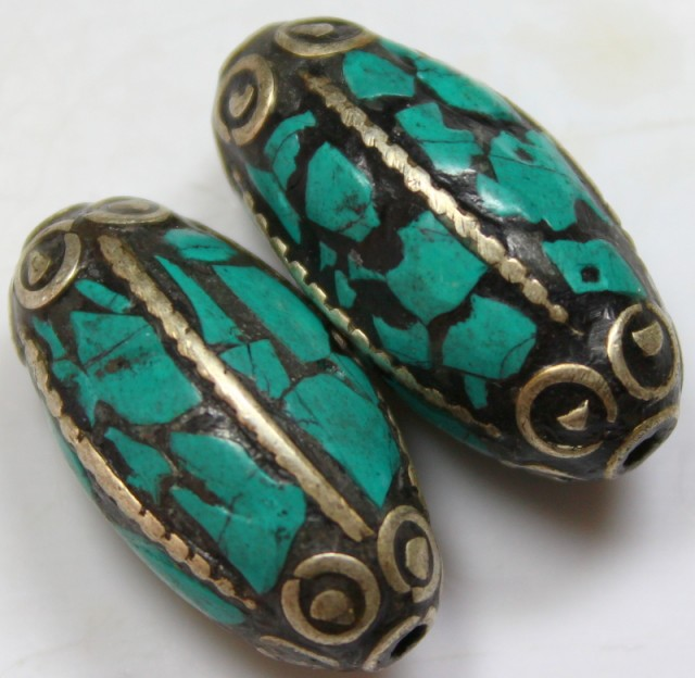 88 CTS  2  PIECES TIBETAN/NAPAL UNIQUE BEAD HAND MADE WORK P621