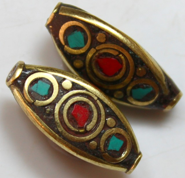 28.00 CTS 2 PCS ANCIENT TIBETAN NAPAL UNIQUE BEAD HAND MADE P656
