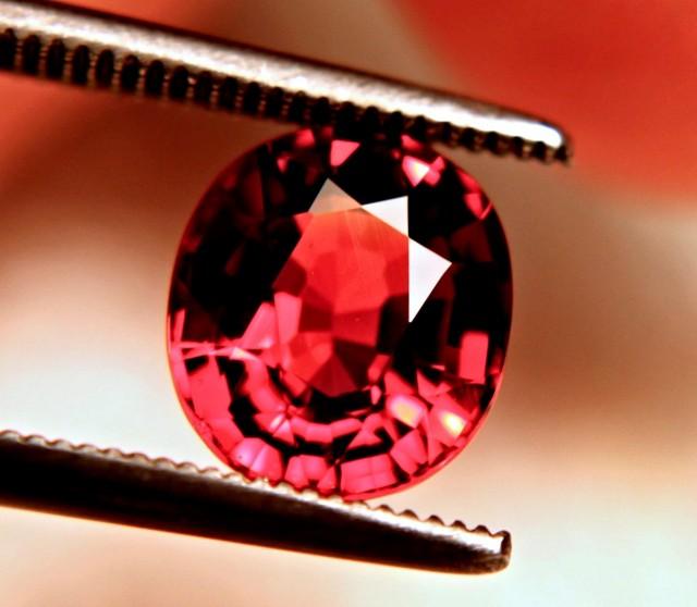 CERTIFIED - 2.49 Ct. IF/VVS1 Fiery Orange / Red Spessartite
