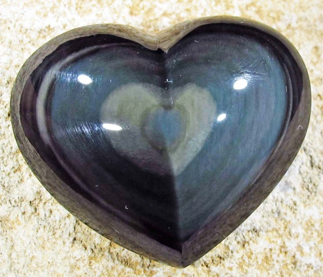 70.62 CTS  RAINBOW OBSIDIAN HEARTS -IRIDESCENCENT [MGW4108]