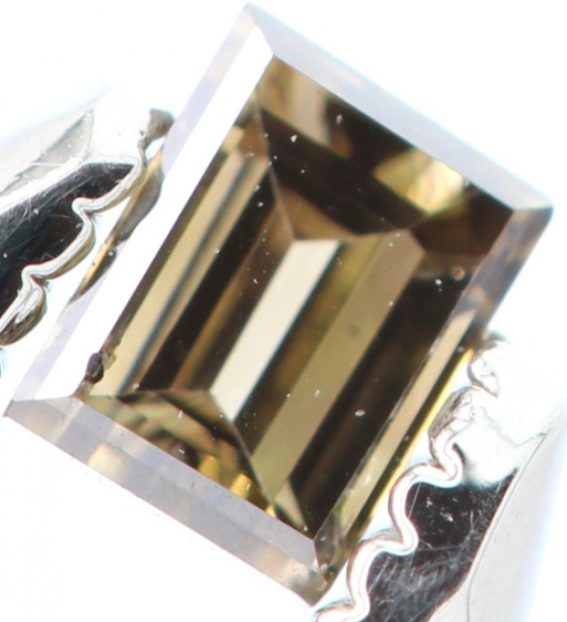 SPARKLING STRAIGHT BAGUETTE WHISKY NATURAL DIAMOND 0.125Cts