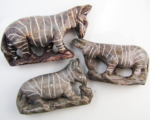 0.216 KiloThree AfricanWild  Animal Carvings  GG 2252
