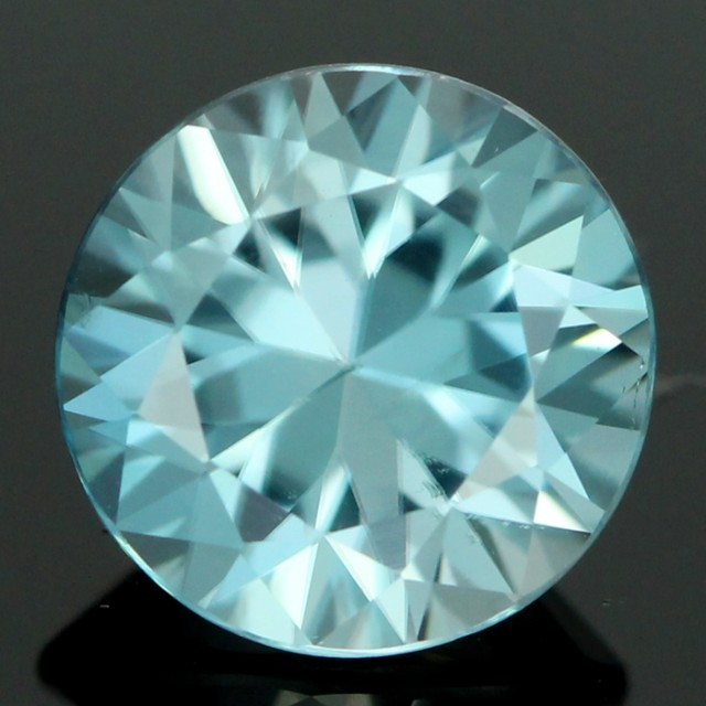 2.00 CTS CERT DIAMOND CUT BLUE ZIRCON (ZCB36)