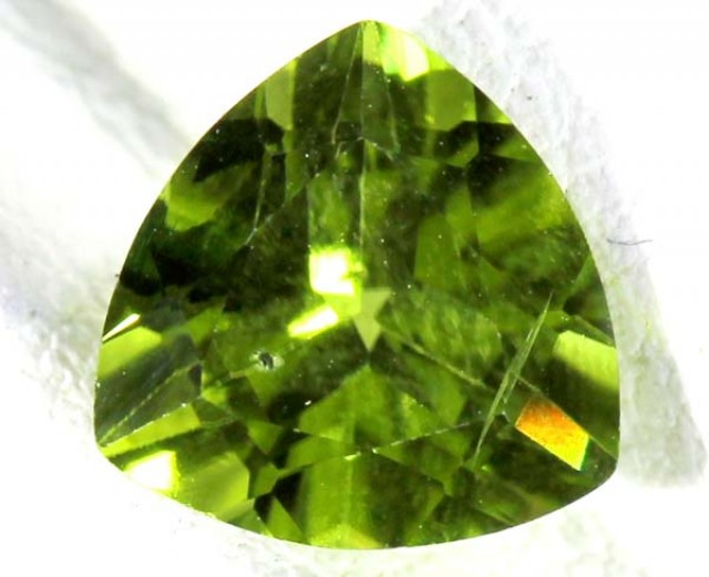 PERIDOT FACETED STONE 2 CTS TBG 664