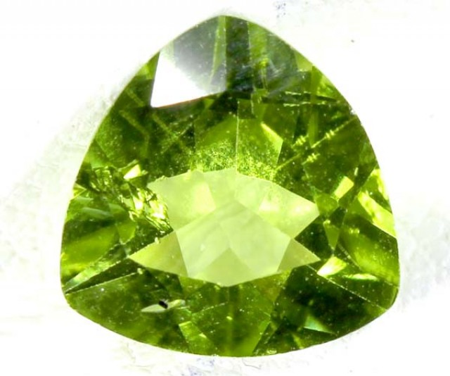 PERIDOT FACETED STONE 1.8 CTS TBG 669