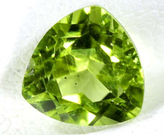 PERIDOT FACETED STONE 1.9 CTS TBG 670