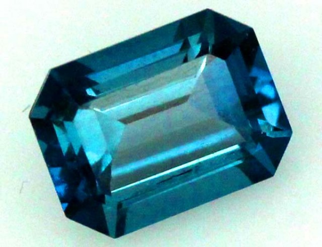 BLUE TOPAZ  NATURAL STONE FACETED  1.85 CTS TBG 690