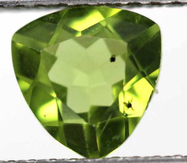 GREEN PERIDOT FACETED STONE  1.65  CTS    SG -1965