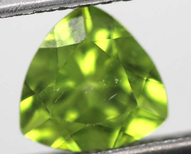 GREEN PERIDOT FACETED STONE 1.5   CTS    SG -1968