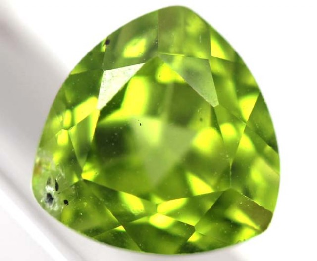 GREEN PERIDOT FACETED STONE 2.25 CTS TBG-748