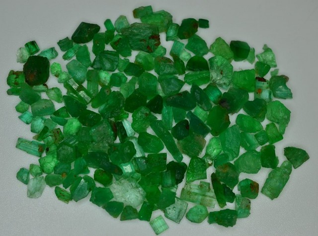 NR$1~50.0CT 100% NATURAL TOP QUALITY VIVID GREEN EMERALD LOT