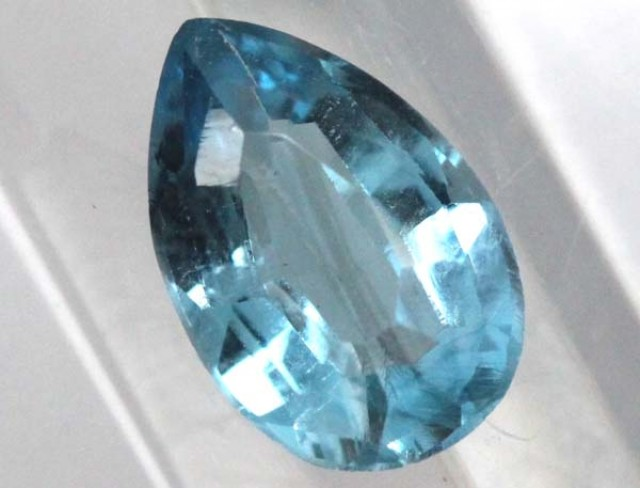 BLUE TOPAZ  NATURAL STONE FACETED  1.45 CTS TBG-825