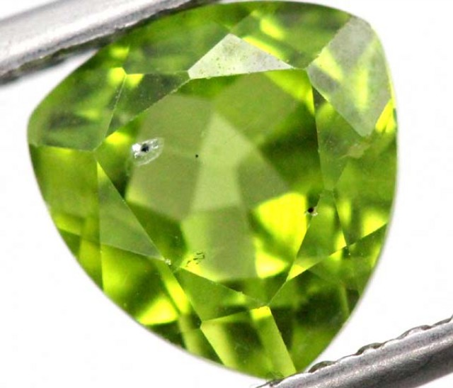 PERIDOT FACETED STONE 2.2 CTS TBG-811