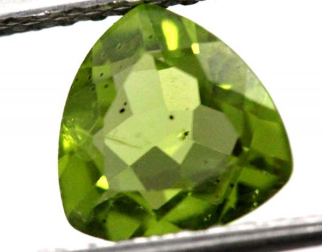 PERIDOT FACETED STONE  1.65 CTS TBG-839