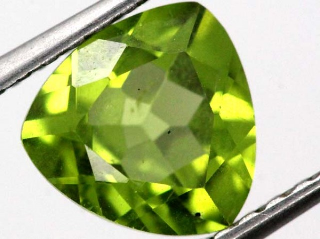 PERIDOT FACETED STONE  1.9 CTS TBG-840