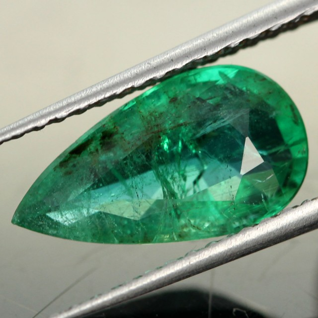 3.39 cts Natural Emerald from Zambia (RE11)
