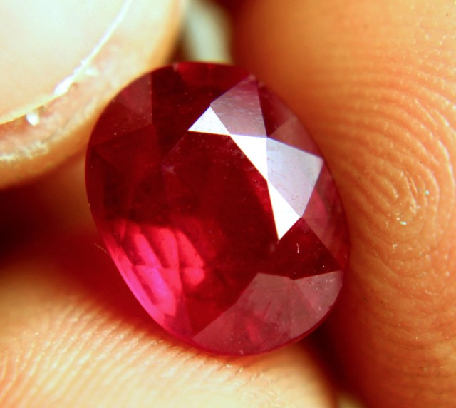 4.81 Carat Fiery Cherry Ruby - Gorgeous Gem