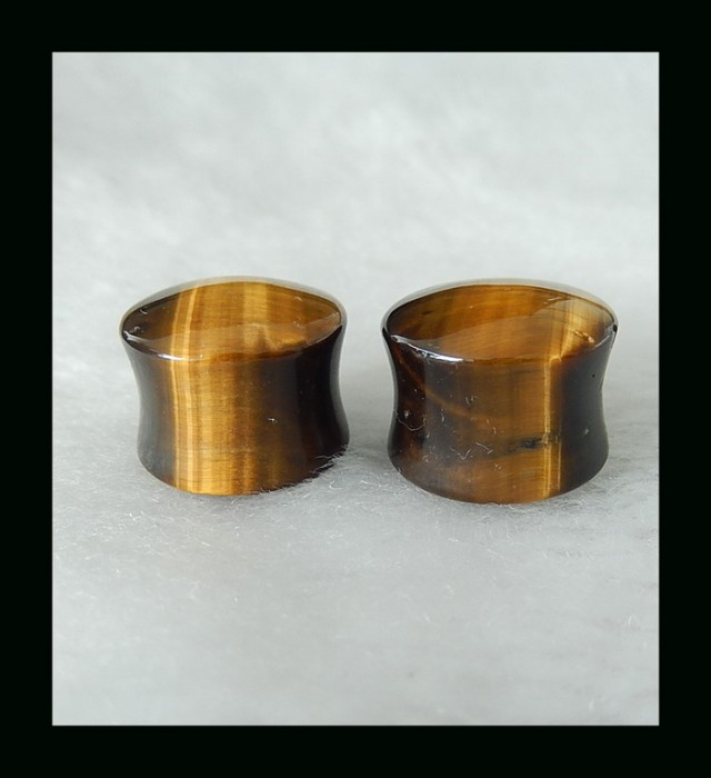 16mm(17.6mm-flare)12.7mm(15mm total width)Golden Tiger Eye Ear Plug,80.11ct