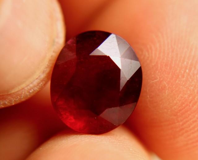 7.25 Carat VS Ruby - Fiery Beauty