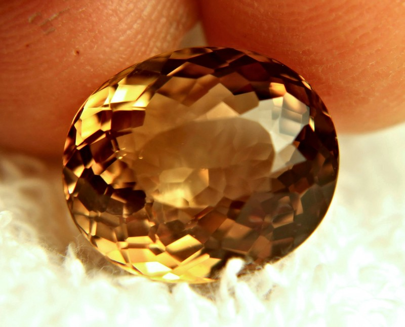 15.26 Carat VVS1 South American Golden Topaz