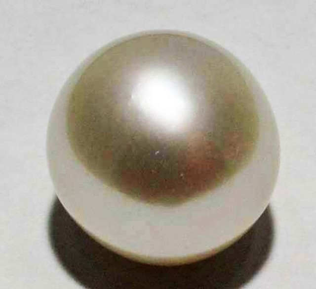 10 - 11 MM WHITE PEARL AAA GRADE ROUND-HIGH LUSTER [ST8491]