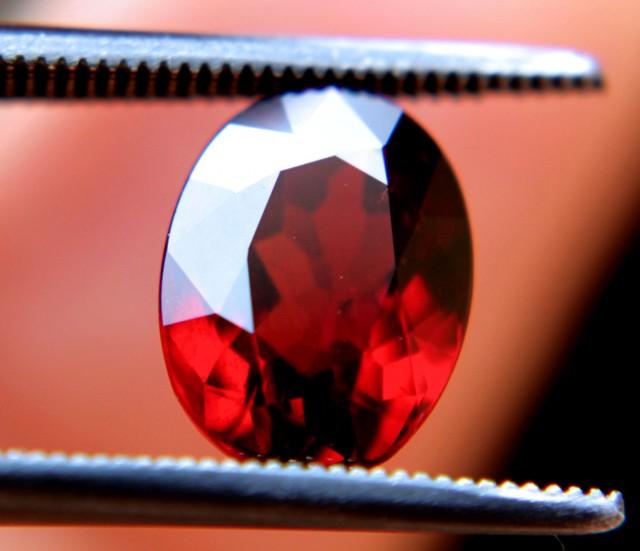 3.85 Carat VVS1 Rhodolite Garnet - Gorgeous