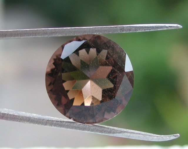 8.00ct ROUND FACETED BRAZILIAN SMOKEY QUARTZ GEM CUT IN THE U.S