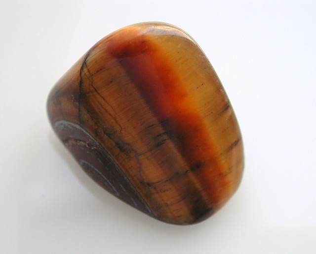 4.65g TUMBLE POLISHED CHATOYANT TIGERS EYE STONE AFRICA (23.25ct)