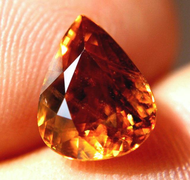4.70 Amber VS/SI Siberian Rainbow Sphene - Superb