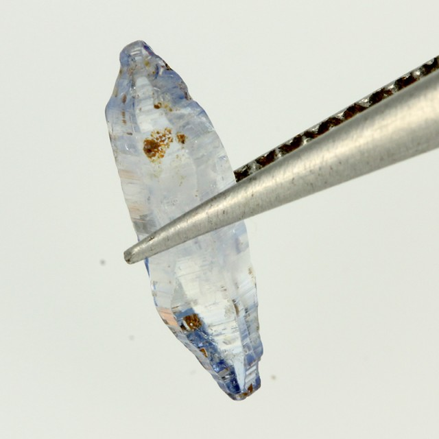 1.84 CTS SAPPHIRE CRYSTALS SIR LANKA  [MGW4338]
