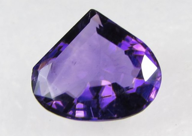 Lovley Brazil Amethyst Faceted  Natural Stone  Y159