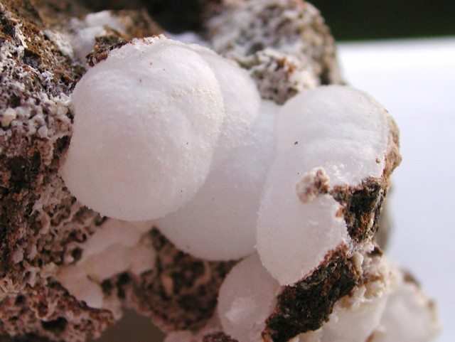 29.30g MESOLITE SNOWBALL CRYSTALS SPECIMEN FROM PALAGONIA ITALY IT31