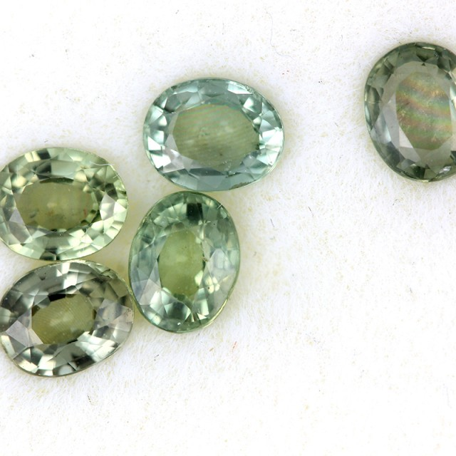 2.45 CTS GREEN SAPPHIRE PARCEL-ACCENT [ST8623]