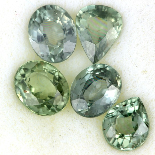 2.54 CTS GREEN SAPPHIRE PARCEL-ACCENT [ST8618]