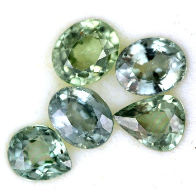 2.61 CTS GREEN SAPPHIRE PARCEL-ACCENT [ST8612]