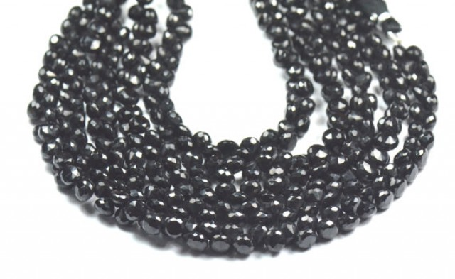 6mm 70 gems of Black Spinel briolettes faceted onion shape - diamond polish