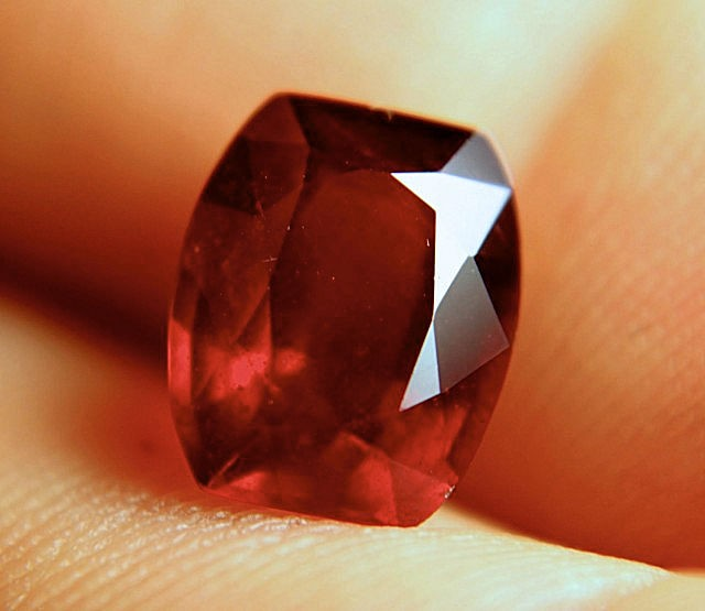 4.71 Carat Fiery VS Ruby - Gorgeous