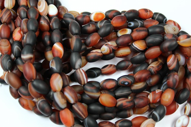 1 STRAND AGATE BANDED BARREL MATT POLISHED FINNISH 11 X 8 MM 15 INCHES P757