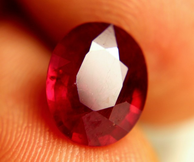 4.46 Carat VS2 Fiery Ruby - Beautiful