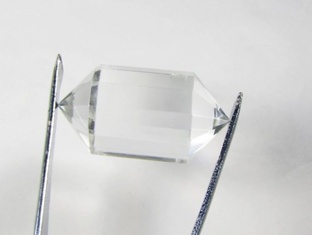 42cts Quartz Crystal Double Pointed Faceted Z 2256