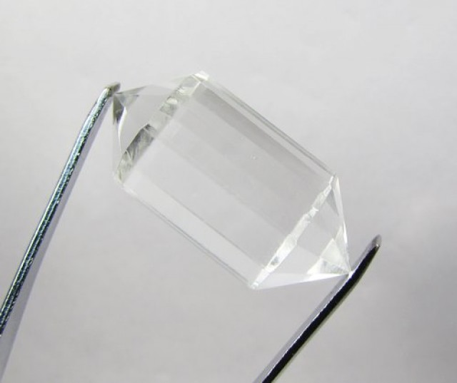 41cts Quartz Crystal Double Pointed Faceted Z2270