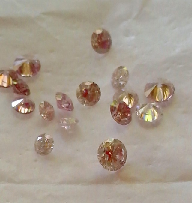 NATURAL ARGYLE -PINKDIAMOND,5-10PTS -SIZE ,1CTWLOT ,NR