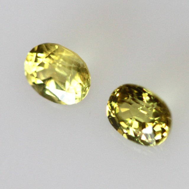 0.55cts  Matching Oval Pair Natural Yellow Sapphires 2pcs Beautiful Accent